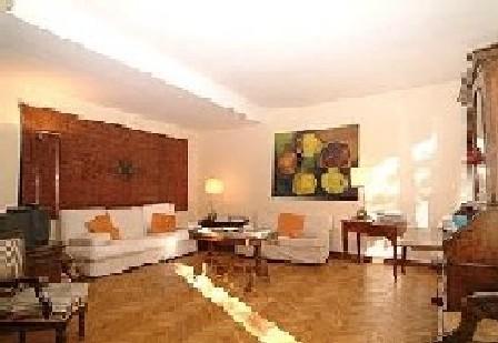 1251.livingroom.jpg