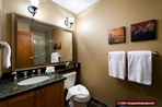 1256.tn-bathroom_3.jpg