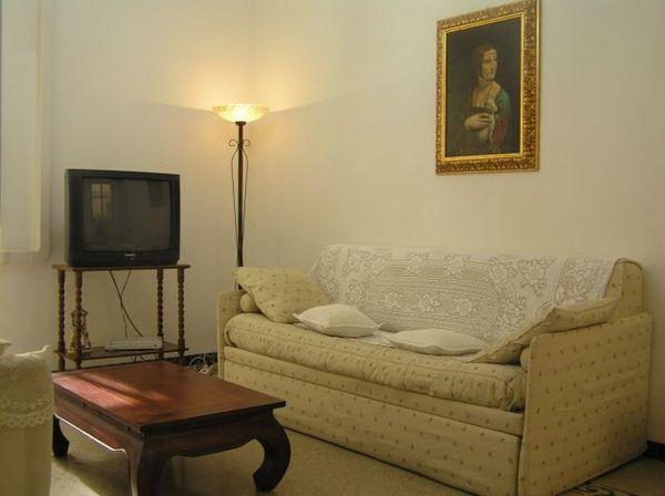 1546.living_room.jpg