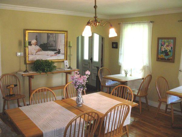 1553.dining_room.jpg