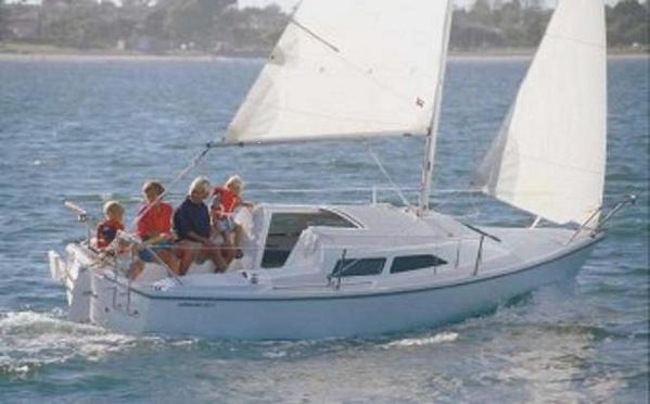 1713.family_sailing2.jpg