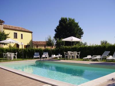 1753.piscina0.jpg