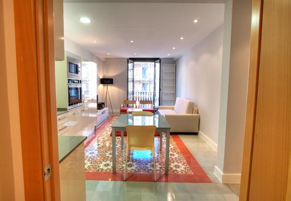 2042.livingroom2.jpg
