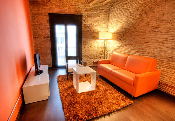 2043.livingroom1.jpg