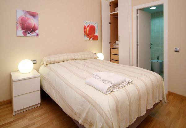 2060.bed2.jpg