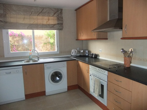 2161.kitchen.jpg