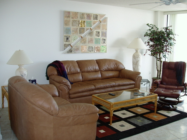 2179.apt_707_living_room.jpg