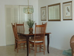 2179.tn-apt_707_dining_area.jpg