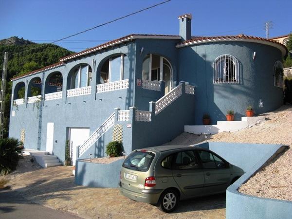 22.villa_front.jpg