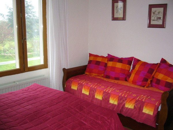 2278.rose_room_and_day_bed1.jpg
