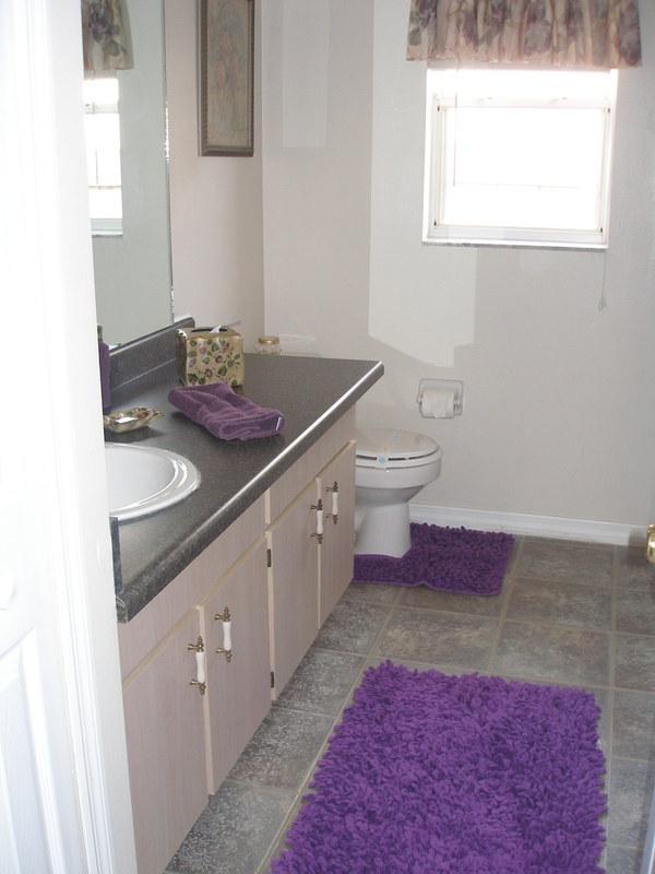 2290.master_bathroom.jpg