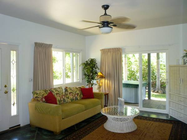 2600.hibiscus_living_room_area.jpg