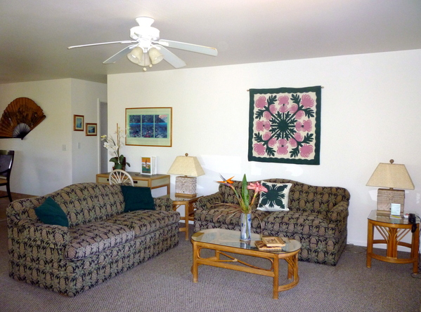 2600.surfrider_living_room_-_new_sofas.jpg