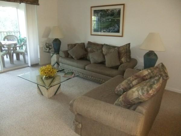 2792.livingroom.jpg
