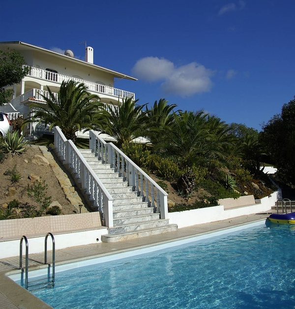 2877.villa_from_pool.jpg
