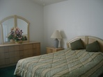 2937.tn-masterbedroom1.jpg