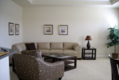 3106.Family room. 42 Plasma Screen & Leather Seating.jpg