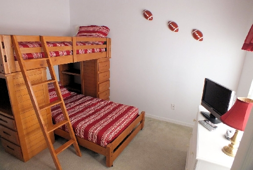 3115.230 - Bedroom 3 (Single Bunks).JPG