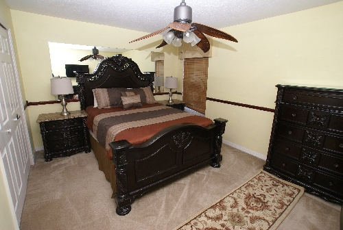 3164.Queen Bedroom.jpg