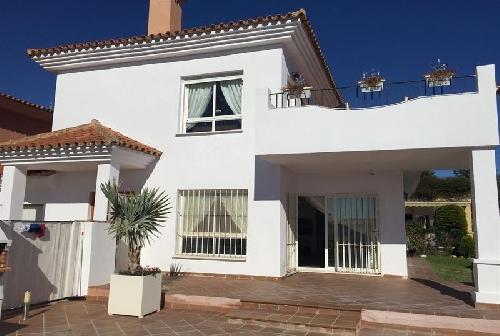 3248.7732997-27489-Fuengirola-Villa_Fit_800_800.jpg