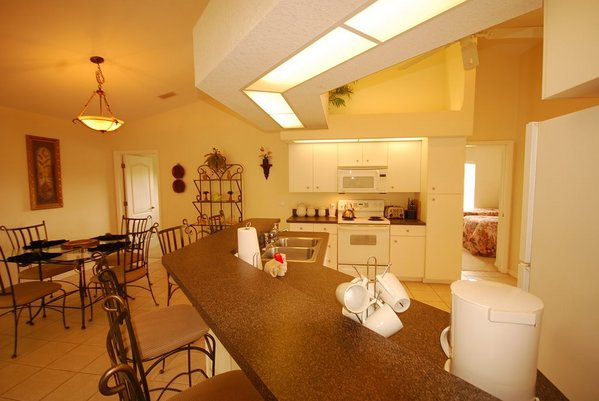 418.51_kitchen_nook.jpg